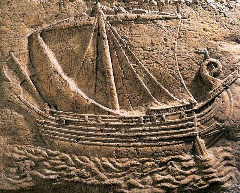 Nave fenicia surcando el Mar Mediterráneo