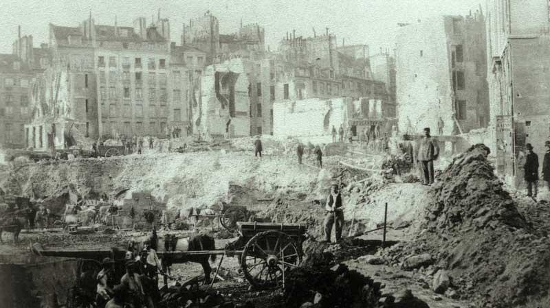 La destrucción del viejo París dirigida por el barón Haussmann